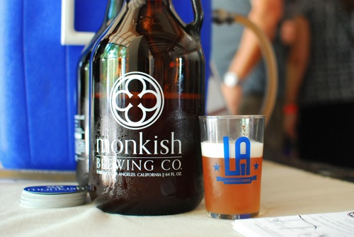 monking-brewing-duenos-de-los-angeles-at-l-a-beer-week-festival